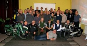 Společné foto bývalých a současných členů VCC Písek
